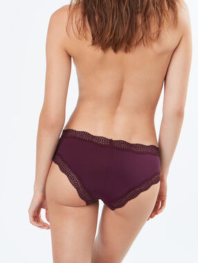 Shorty bords dentelle graphique bordeaux grenat.