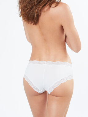 Shorty bords dentelle graphique blanc.
