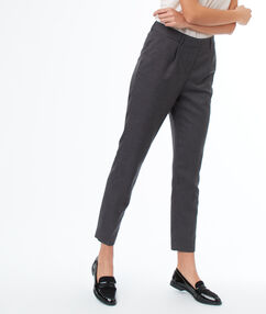 Pantalon cigarette 7/8 gris anthracite.