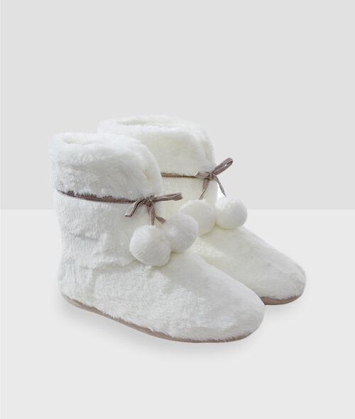 Chaussons bottines à pompons