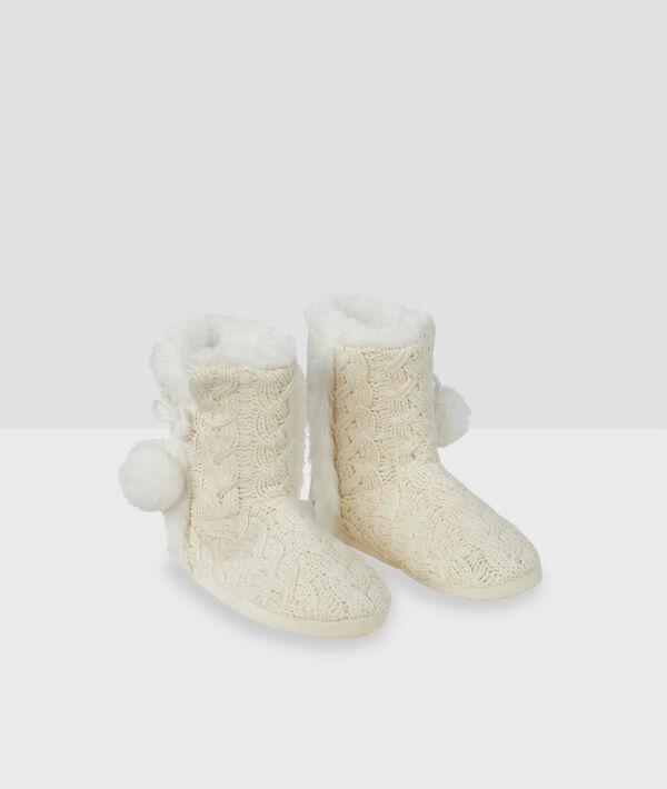 Chaussons bottines fourrés pompons