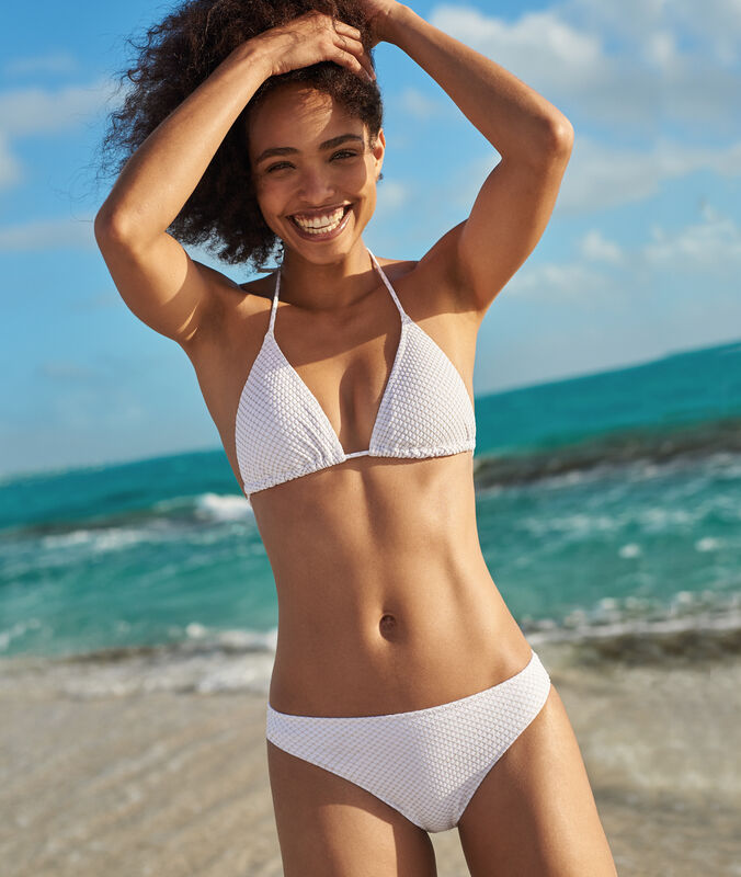 Bas de bikini simple blanc.
