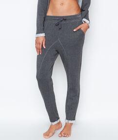 Pantalon coupe loose gris.