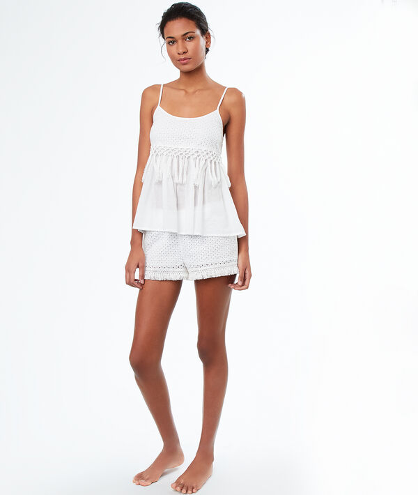 Short broderie anglaise;${refinementColor}