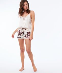 Short en satin ecru.