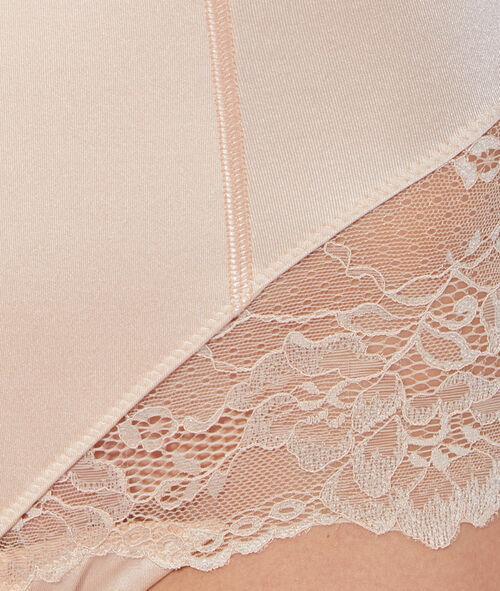 Culotte taille très haute micro et dentelle niveau 3 : silhouette remodelée