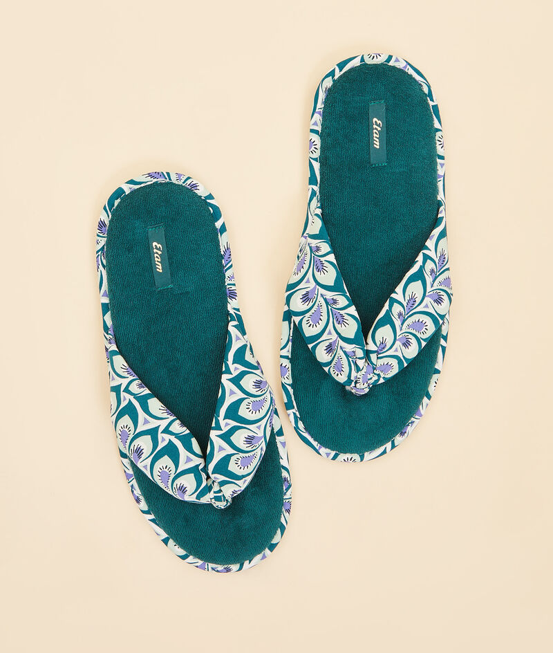 Chaussons tongs;${refinementColor}