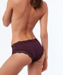 Shorty en micro bords dentelle violet.
