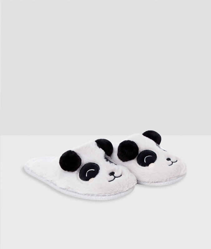 Chaussons pandas gris.