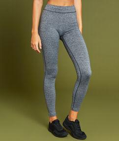 Pantalon de sport gris.