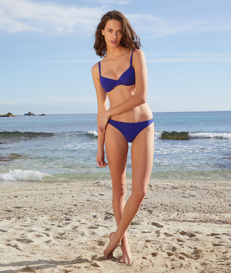 Brazilian bikinibroekje;${refinementColor}