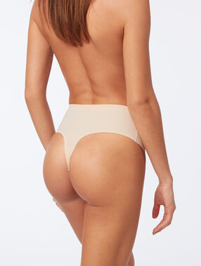 String taille haute - niveau 3 : silhouette remodelée peau.
