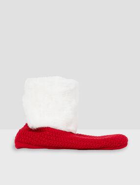 Chaussettes fourrées rouge.