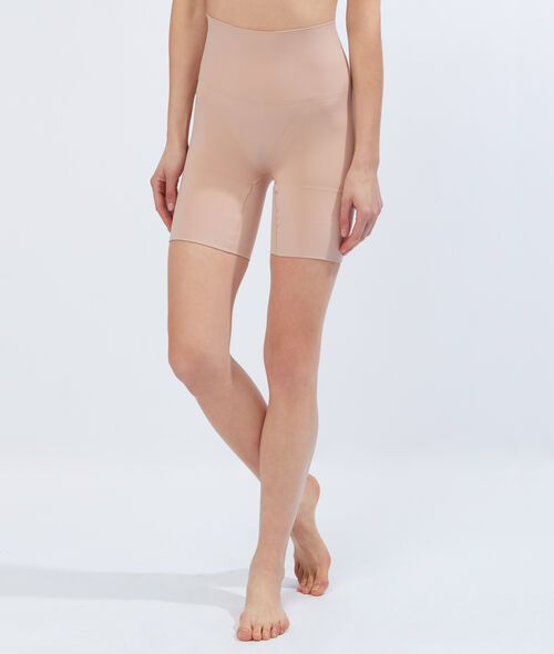 Shorty triples actions : cuisses, fesses, taille