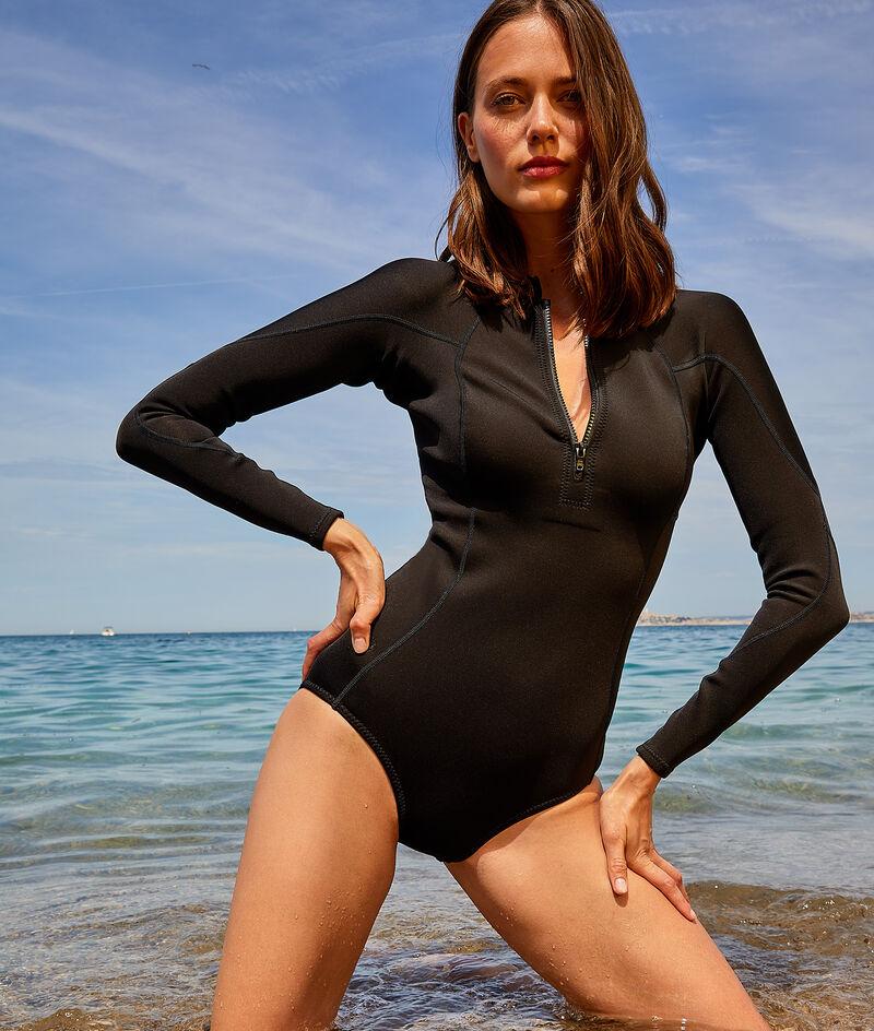 Oysterprene© wetsuit;${refinementColor}