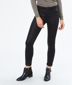 Pantalon slim huilé noir.
