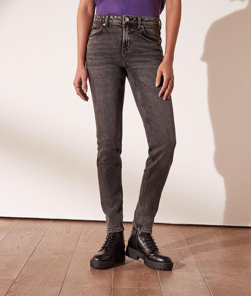 Slim fit jeans met gebleekt effect