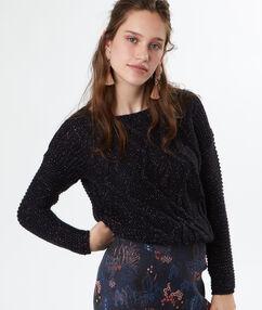 Pull tricot pailleté noir.