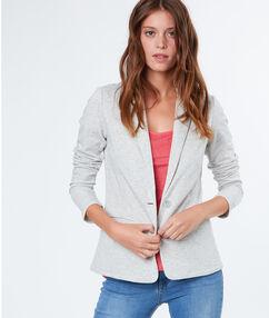 Veste de tailleur casual gris clair.