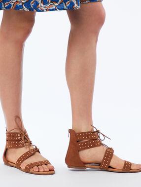 Sandales plates à petits clous orge.