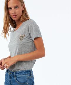 T-shirt met borduursel grijs.