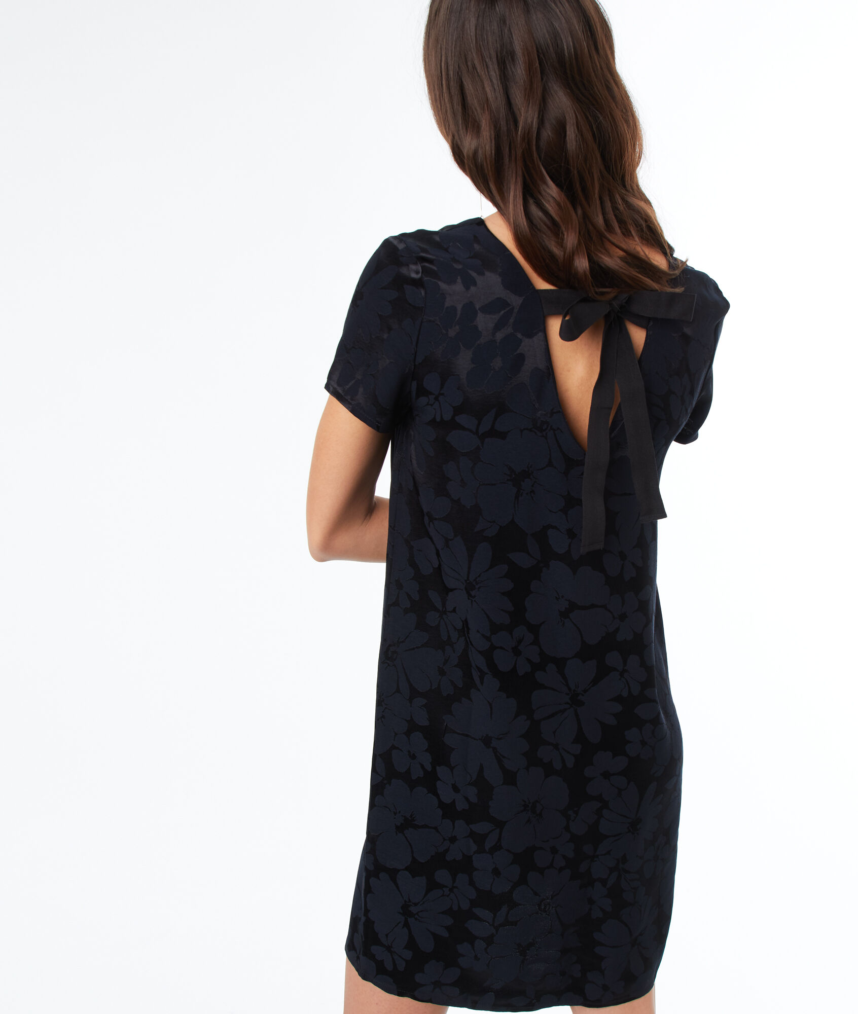 Robe pull noeud dos