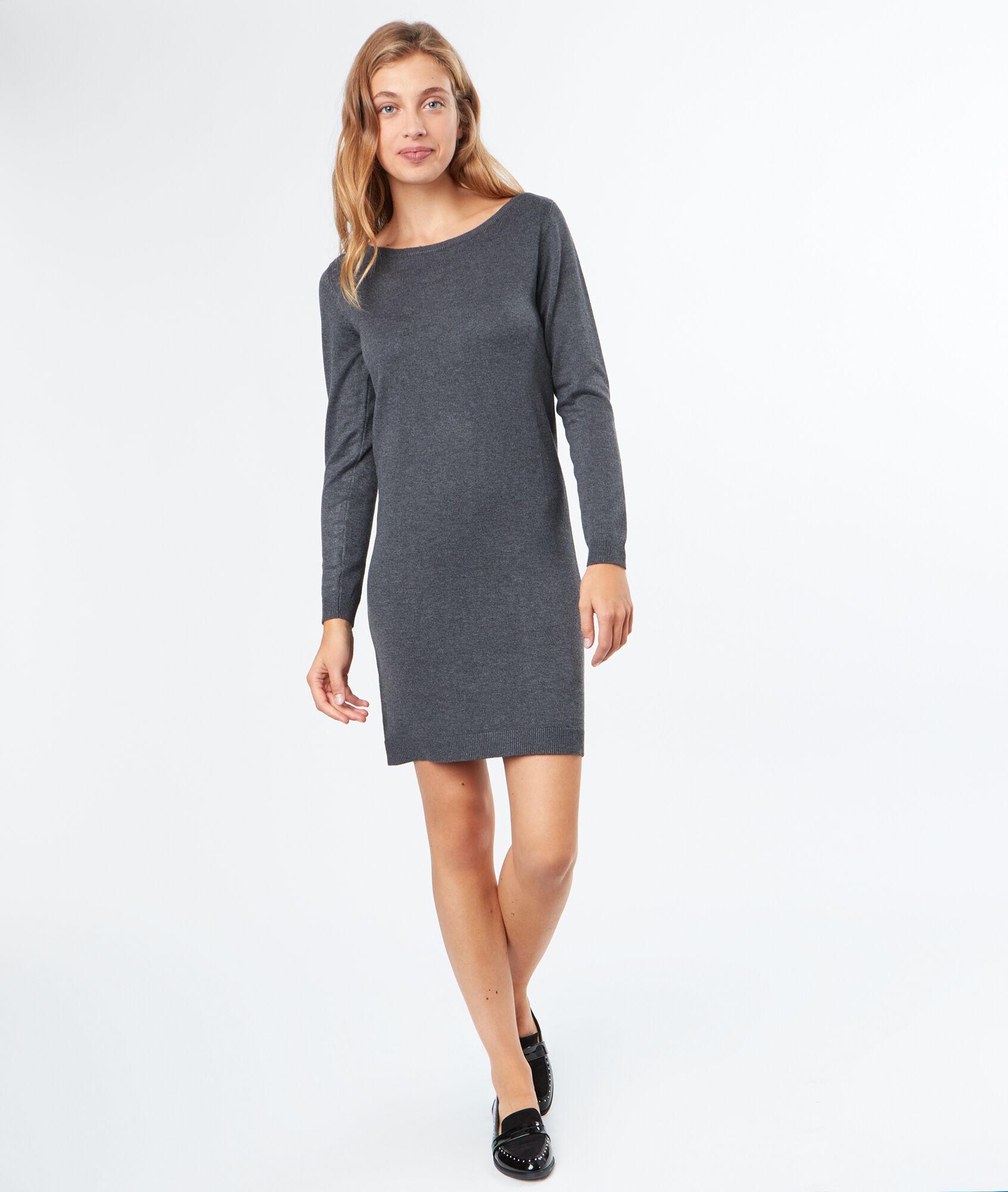 robe pull dentelle au dos. Black Bedroom Furniture Sets. Home Design Ideas