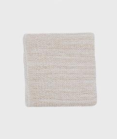Écharpe tricotée fibres lurex ecru.