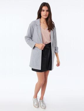 Veste longue col tailleur gris clair chiné.