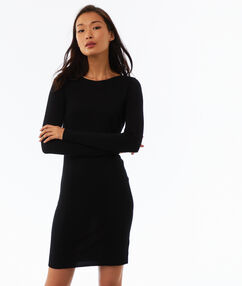 Robe pull manches longues noir.