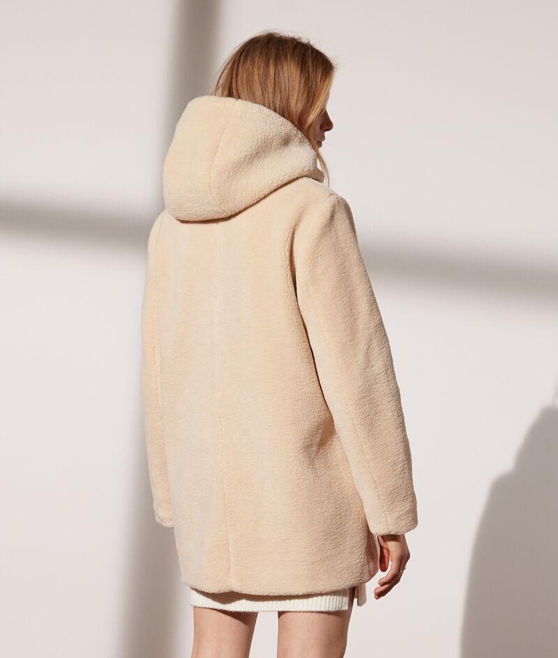 Manteau à capuche en peau lainée