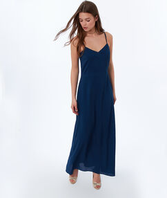Robe longue à bretelles bleu d'encre.