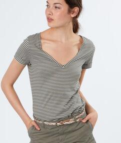 T-shirt rayé en coton kaki.