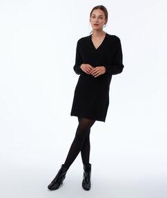 Robe pull col v noir.