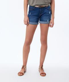 Short en jean bleu foncé délavé.