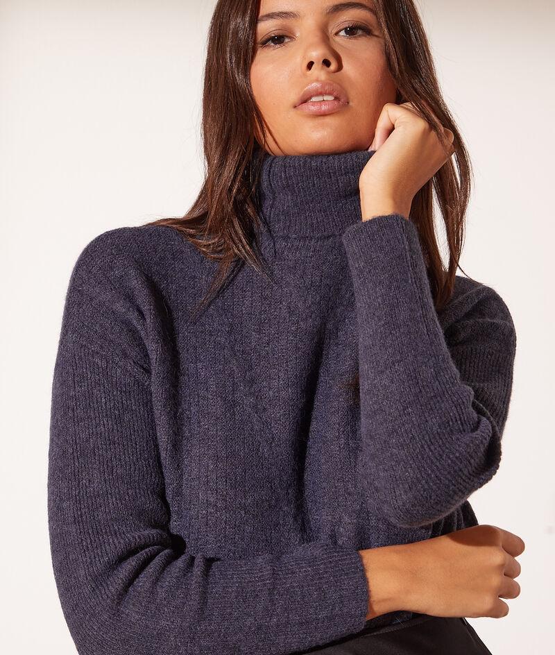 Pull en laine col roulé