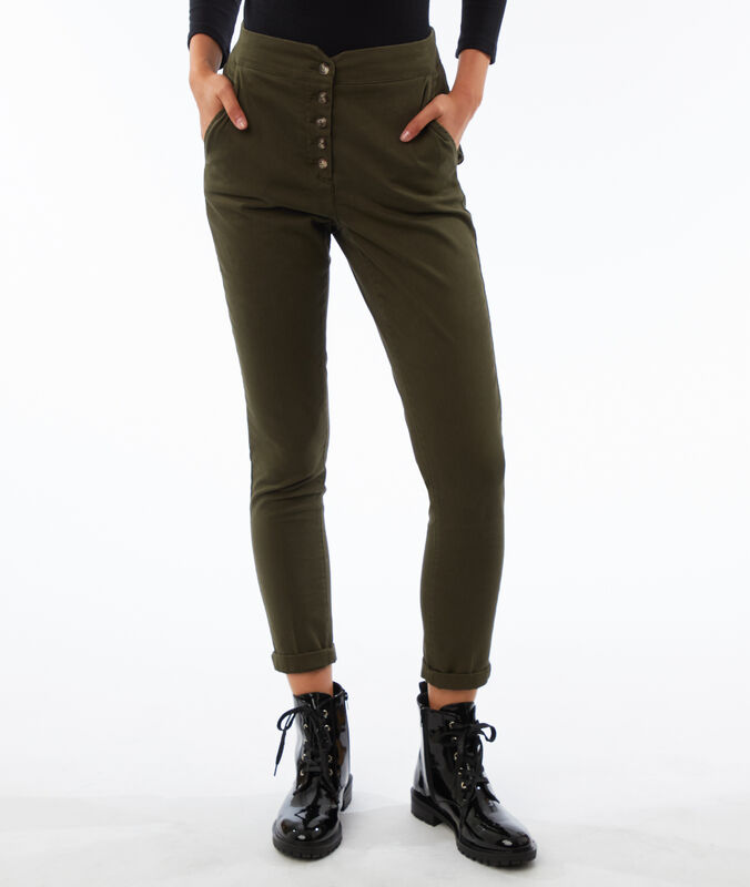 Pantalon carotte boutonné taille haute kaki.
