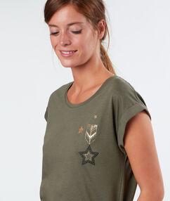 T-shirt à étoiles kaki.