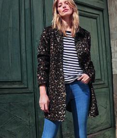 Manteau 3/4 imprimé léopard noir.