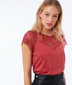 T-shirt empiècement dentelle dos ouvert rose framboise.