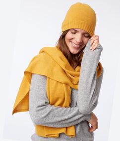 Bonnet en cachemire jaune miel.