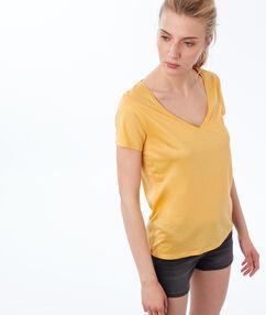T-shirt met v-hals geel mimosa.