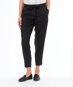 Pantalon carotte en tencel® noir.