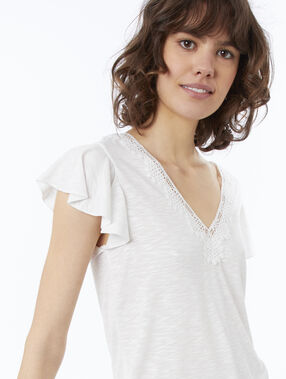 T-shirt col v à guipures écru.