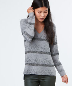 Pull col rond gris chine clair.