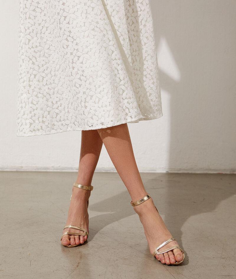 Sandales dorées à talon