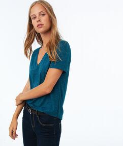 T-shirt met v-hals en metallic draad blauw.