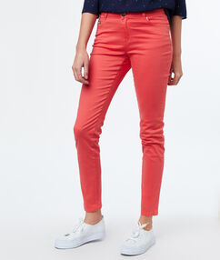 Pantalon slim abricot.