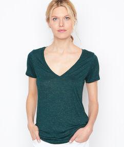T-shirt col v effet métallisé vert.